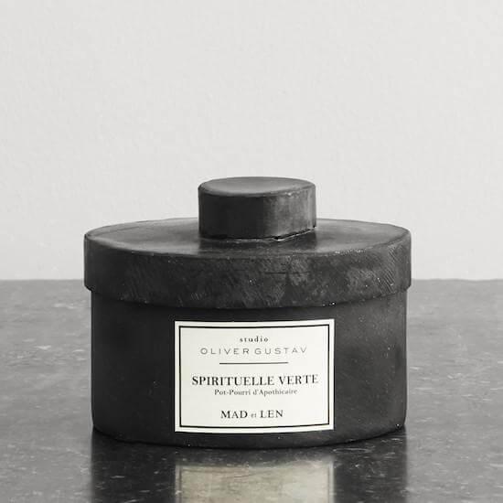 scented potpourri on resin stones spirituelle verte from mad et len