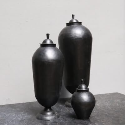 Odalisques jars in iron from Mad et Len