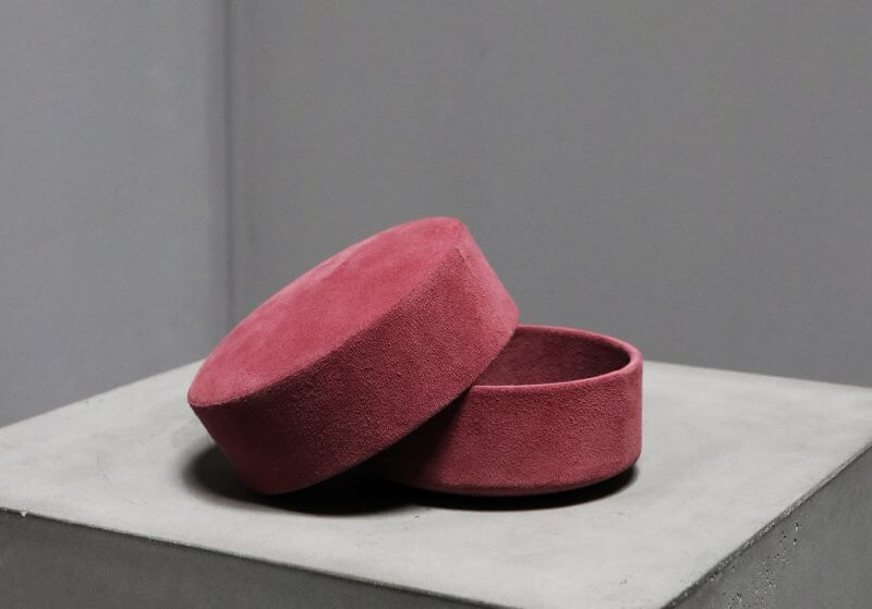 Pastille suede box in red Michael verheyden