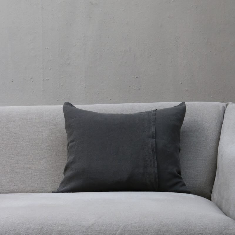 Anthracite dark grey pillow in linen by Society Limonta