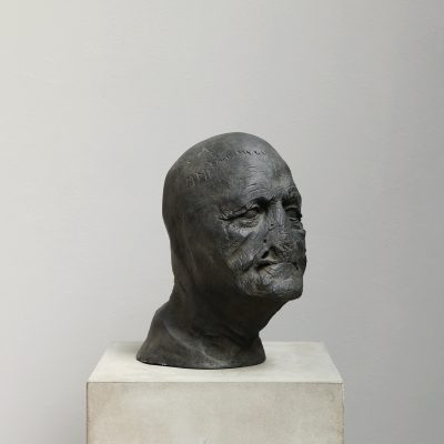 Bronze head sculpture by the danish artist Kaare Golles represented by Studio Oliver Gustav