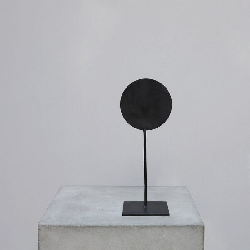 Iron stand with round detail for minimalistic home decor