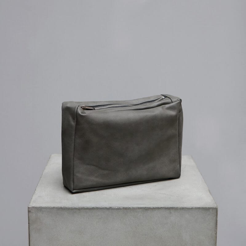 Exclusive Toiletry bag in calfskin leather by Oliver Gustav