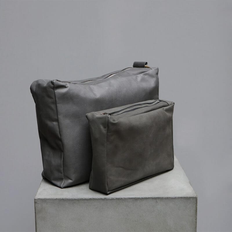 Toiletrt bag in leather and lambskin by Journey by Oliver Gustav